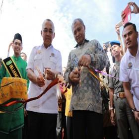 Buka Stand Integrasi, Ketua KPK Dan Gubri Saksikan Atraksi Gajah Sumatera